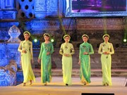 """""""传奇诞生地之地""""的顺化长衣文化节聚集越南传统文化的精髓"""