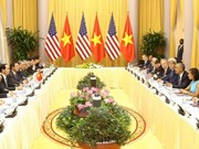 越南国家主席陈大光与美国总统奥巴马进行会谈