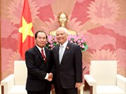 越南国会副主席汪周刘会见老挝司法部长塞西•桑迪冯