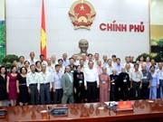 越南政府总理张和平会见前江省对革命有功劳者