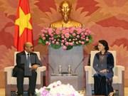 越南国会主席阮氏金银会见古巴驻越南大使