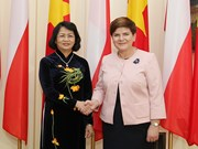 国家副主席邓氏玉盛会见波兰总理贝娅塔·席多