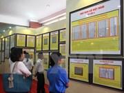 """""""黄沙和长沙归属越南——历史证据和法律依据""""地图资料展在坚江省举行"""
