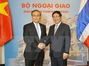 越南政府副总理兼外长范平明与泰国外长敦·帕马威奈举行会谈