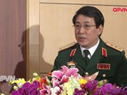越南人民军高级政治干部代表团对老挝进行正式友好访问