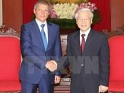越共中央总书记阮富仲会见罗马尼亚总理达契安•乔洛什