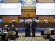 世界舆论呼吁各方尊重仲裁庭的裁决通过和平方式解决东海争端