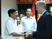 越南劳动总联合会裴文强会见美国驻越大使