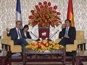 胡志明市与法国促进在诸多领域的合作关系