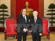 越共中央总书记阮富仲会见法国总统弗朗索瓦•奥朗德
