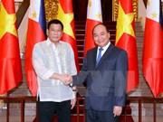 越南政府总理阮春福会见菲律宾总统杜特尔特