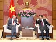 越南国会副主席冯国显会见欧洲自由贸易联盟成员国议员代表团