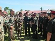 越老青年军官携手培育两国特殊团结关系