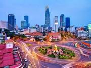 胡志明市领导人会见英国—越南友好网络代表团