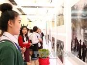 """""""1961至1975年时期传奇的胡志明小道老挝段""""图片展在老挝开展"""