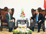 越南政府总理阮春福会见葡萄牙新任驻越大使弗朗西斯科•阿西斯