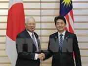 日本首相安倍晋三和马来西亚总理纳吉布举行会谈 重申东海问题立场