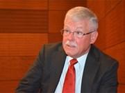 澳大利亚国防学院专家卡莱尔•塞耶教授:越南国防对外工作硕果累累