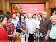 越共中央总书记阮富仲在河内市开展接待选民活动