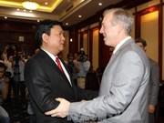胡志明市委书记丁罗升会见美国驻越大使奥修斯
