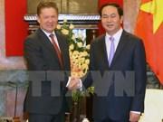 越南国家主席陈大光会见俄罗斯天然气工业股份公司总裁米勒