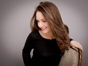 法国女钢琴家艾曼努埃尔·斯瓦耶茨应邀5月11日在河内演出