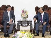 越南政府总理阮春福会见澳大利亚驻越南大使休•伯罗曼