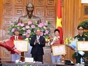 越南政府总理阮春福会见参加2016年里约奥运会的越南体育代表团