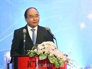 越南政府总理阮春福出席2016年信息传媒技术高级论坛