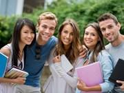 越澳加强教育培训合作关系