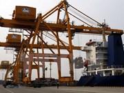今年前8月越南对中国贸易逆差大幅下降