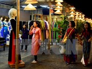 河内奥黛文化节吸引数万人参观