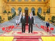 陈大光主席为缅甸总统吴廷觉举行隆重欢迎仪式(组图)