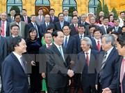 越南国家主席陈大光会见新获得的教授和副教授职称代表