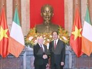 越南国家主席陈大光设宴招待爱尔兰总统迈克尔•希金斯