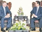 越南政府总理阮晋勇会见俄罗斯联邦扎鲁别日石油公司总经理