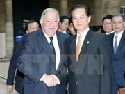 阮晋勇总理会见法国参众两院议长