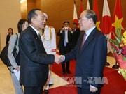 日本参议院议长山崎正昭对越南进行正式访问