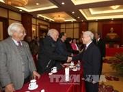 阮富仲总书记与艺术家、知识分子、科学家举行见面会