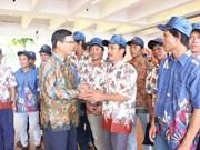越南驻印尼大使馆为18名渔民遣送回国