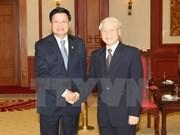 阮富仲总书记会见老挝总理通伦•西苏里