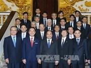 越南政府总理阮春福会见日本三重县知事