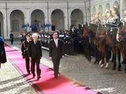 越南国家主席陈大光与意大利总统塞尔焦 • 马塔雷拉举行会谈