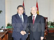 越共中央总书记阮富仲会见老挝建国阵线中央委员会主席赛宋蓬•丰威汉
