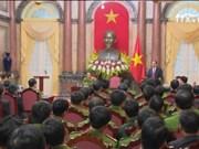 陈大光主席会见禁毒工作先进集体和先进个人