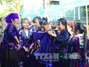 奠边省山区集市:熙攘人流 快乐迎春(组图)
