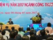 越南政府总理阮春福出席工商部门2016年工作总结会议
