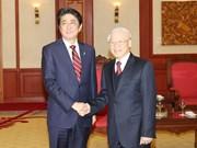 越南领导人会见正在访越的日本首相安倍晋三(组图)