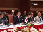 越南政府总理同日本首相共同主持越日企业家座谈会