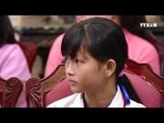 陈大光主席会见全国特困模范儿童代表